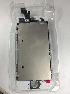 iPhone 修理の悪い例